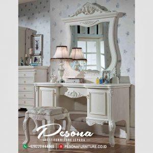 Meja Rias Dengan Kombinasi Mewah Klasik
