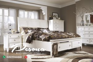 Set Tempat Tidur Putih Minimalis